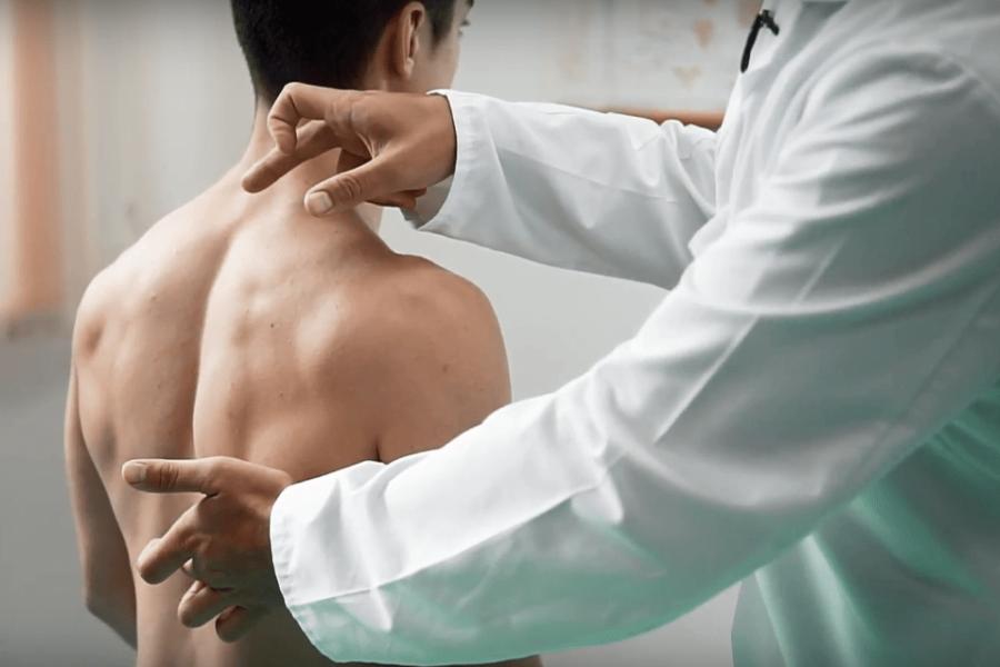 болевые ощущения в спине, между лопаток