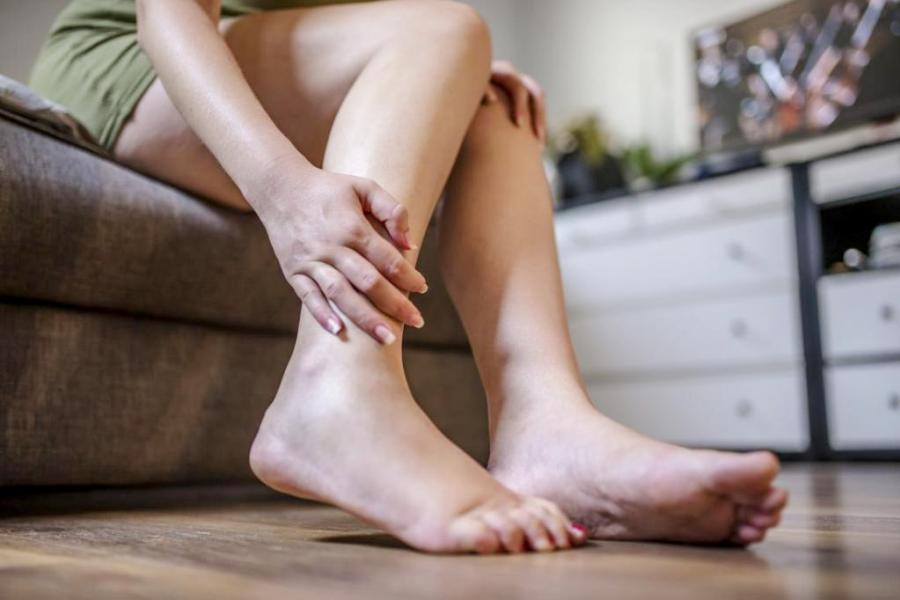 онемение ноги ниже колена