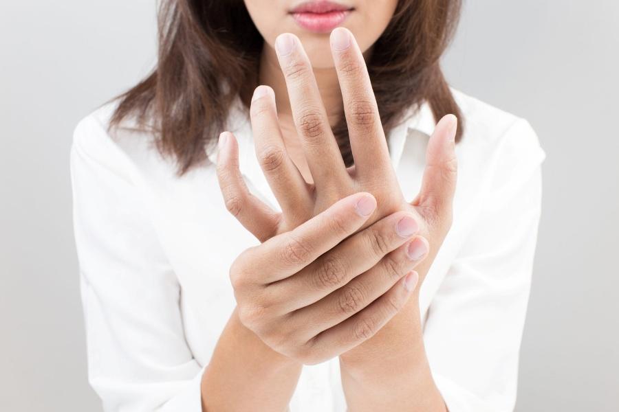 онемение пальцев на руках и ногах