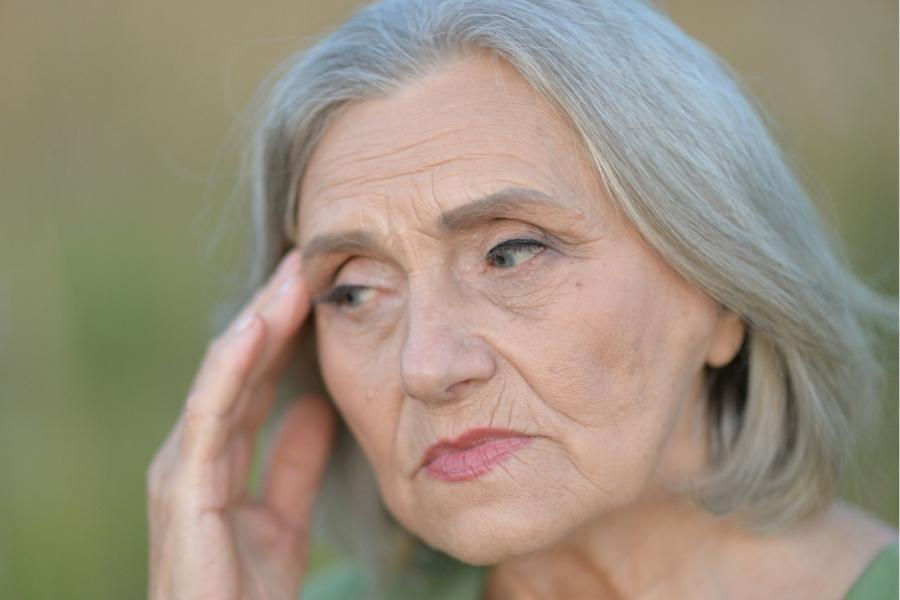 как проявляется микроинсульт у пожилых женщин